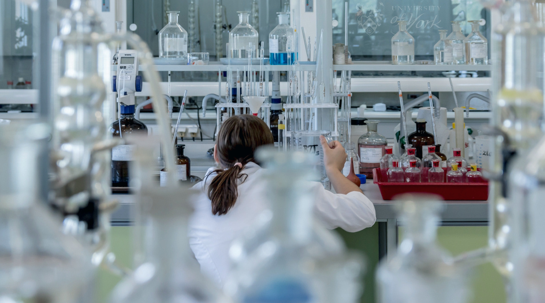 laboratory (Pixabay)